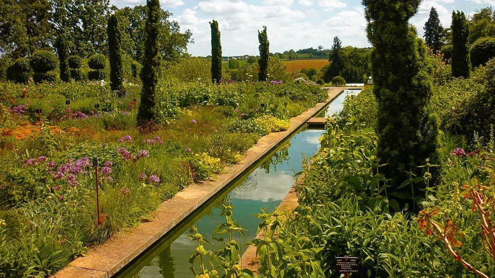 Visita a Broughton Grange, un jardín de Tom Stuart-Smith.