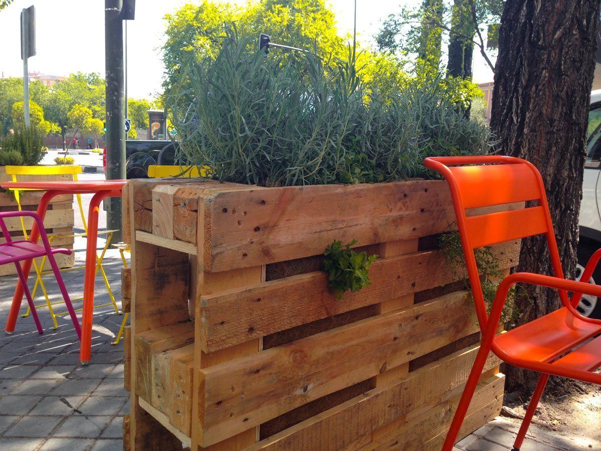 Plantación de jardineras con palés